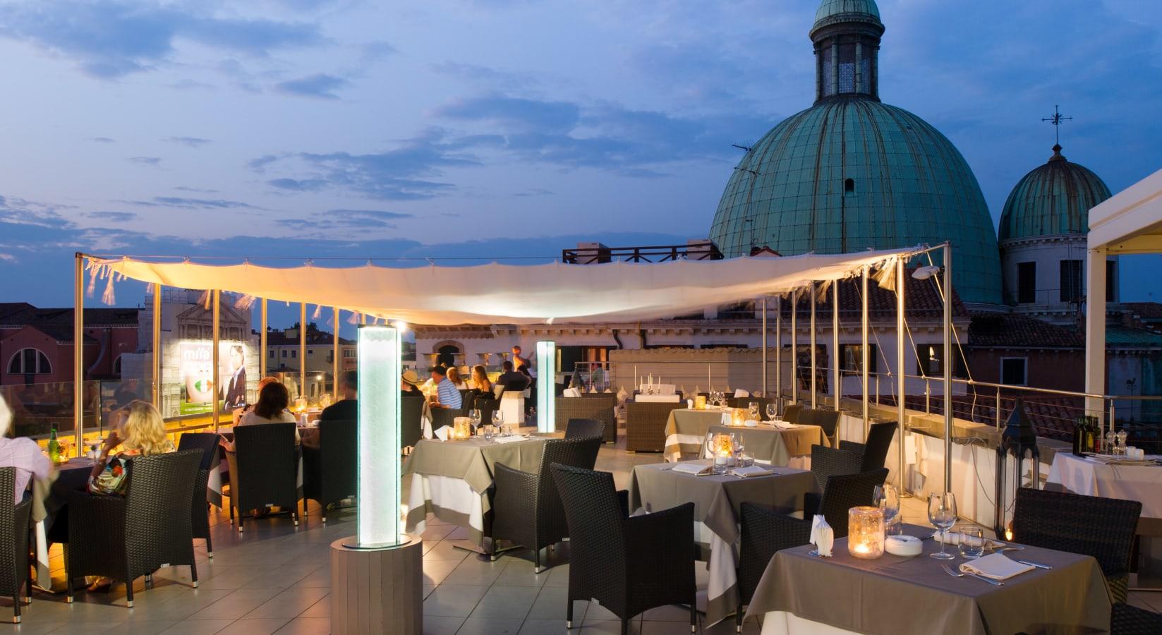 Top Of The Carlton Sky Lounge