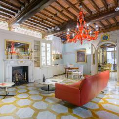 No.15 Santori Luxury Home