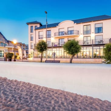 Les Flots Clarion Collection Hotel